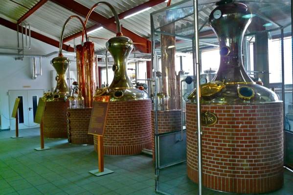 Produktionsraum der SLYRS Destillerie am Schliersee